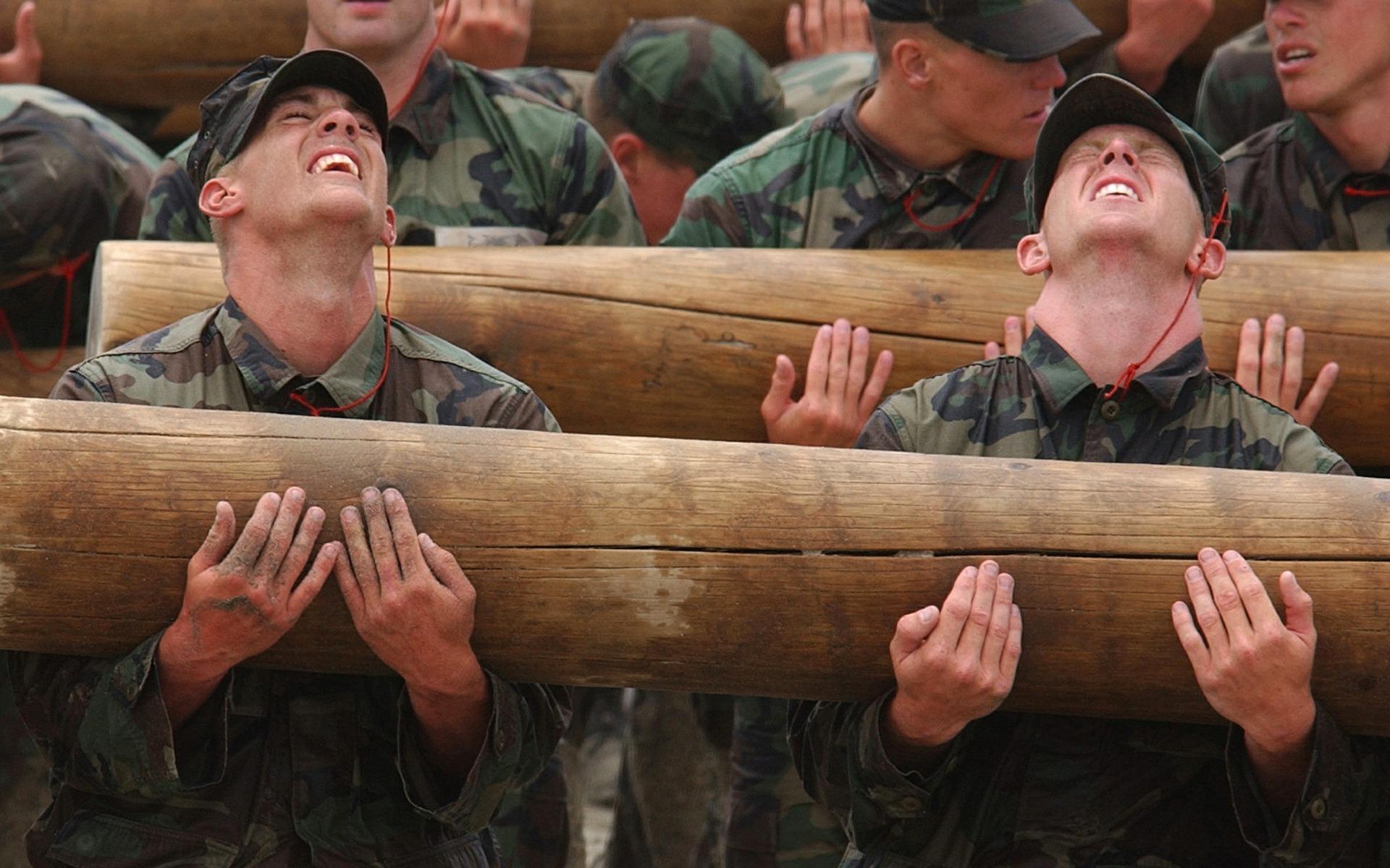 teamwork-soldier